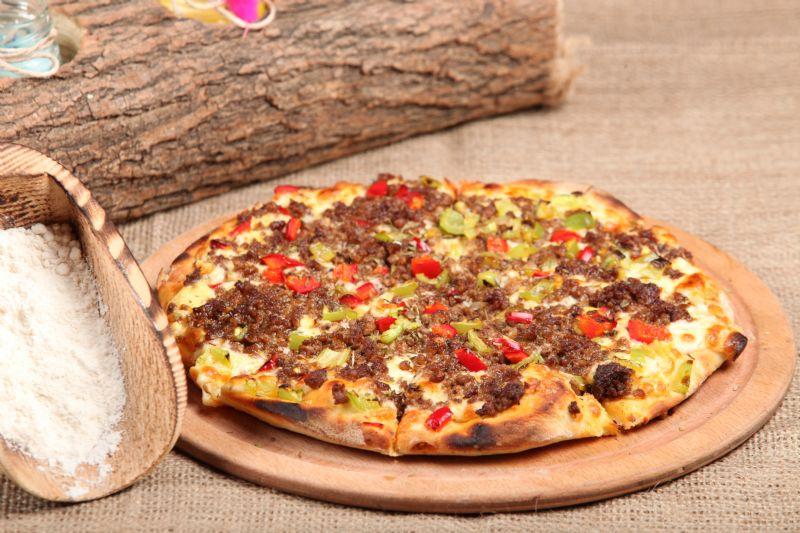 Bolonez(Kıymalı) Pizza